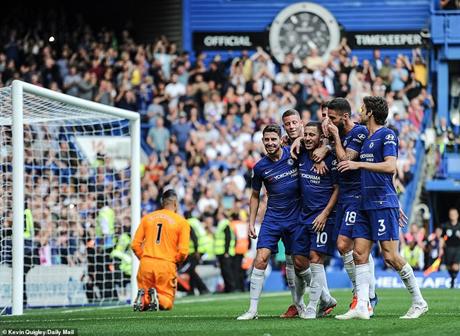 Chelsea giành chiến thắng tưng bừng trong ngày Hazard (số 10) lập hat-trick.