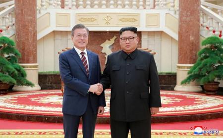 Tổng thống Hàn Quốc bắt đầu hội đàm với nhà lãnh đạo Triều Tiên.