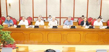 Tổng Bí thư Nguyễn Phú Trọng (giữa) chủ trì cuộc họp.
