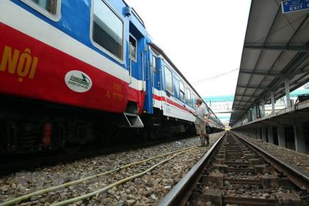 Đường sắt chạy hàng chục đôi tàu dịp Tết Nguyên đán Kỷ Hợi.