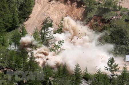 Triều Tiên cho nổ đường hầm số 2 tại bãi thử hạt nhân Punggye-ri, tỉnh Bắc Hamgyong ngày 24/5.