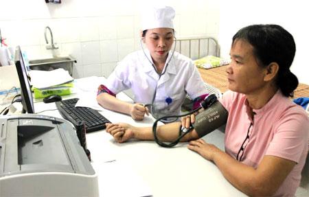 Việc cung ứng dịch vụ khám chữa bệnh cho người tham gia BHYT ngày càng được quan tâm.
