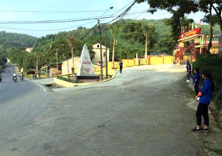 Hoạt động của Đội Thanh niên tình nguyện ATGT, Trường THPT Hồng Quang được duy trì thường xuyên.