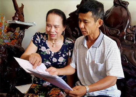 Bà Nguyễn Thị Thảo rất hài lòng với phương pháp tiếp dân và giải quyết đơn thư của lãnh đạo huyện Yên Bình.