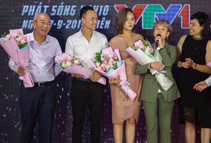 """Đoàn làm phim """"Về nhà đi con"""" giao lưu với khán giả trước thềm lễ trao giải VTV Awards 2019."""
