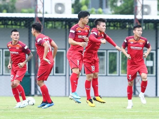 Các cầu thủ tuyển Việt Nam trên sân tập.