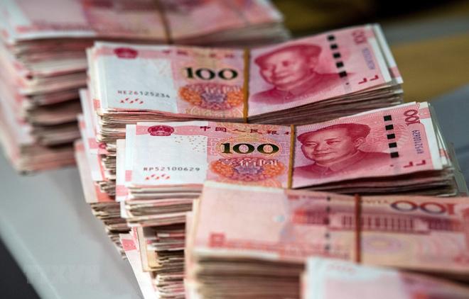 Đồng tiền mệnh giá 100 nhân dân tệ tại Thượng Hải, Trung Quốc.