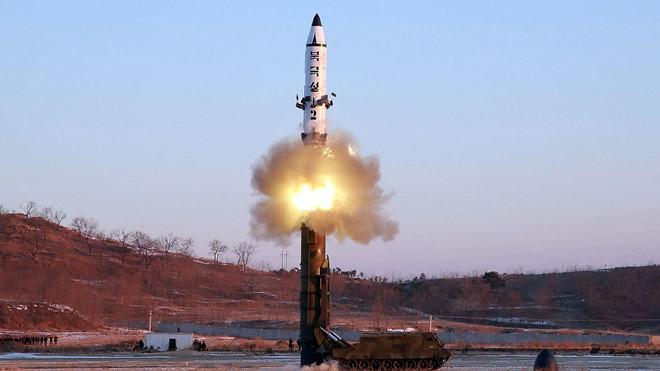 Một cuộc phóng thử tên lửa Pukkuksong-2.