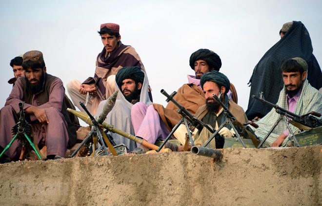 Các tay súng Taliban tại Jamshedi, tỉnh Faryab, Afghanistan.