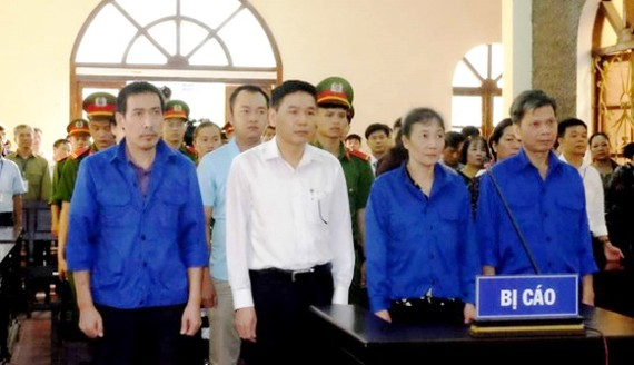 Gian lận, nâng điểm thi tại kỳ thi THPT Quốc gia năm 2018 tại Sơn La, Hòa Bình, Hà Giang gây xôn xao dư luận.
