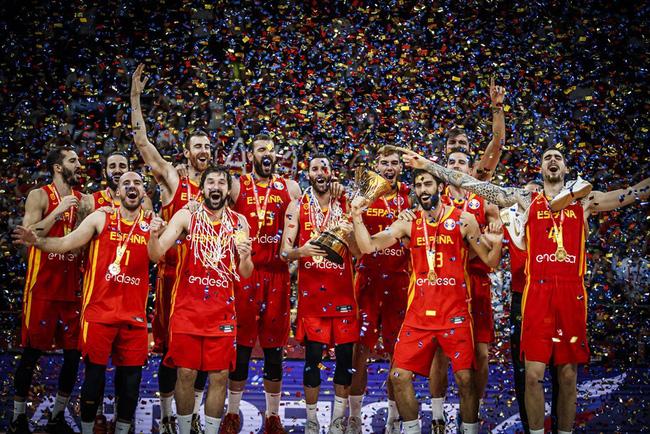 Ricky Rubio nhận giải cầu thủ xuất sắc nhất FIBA World Cup 2019