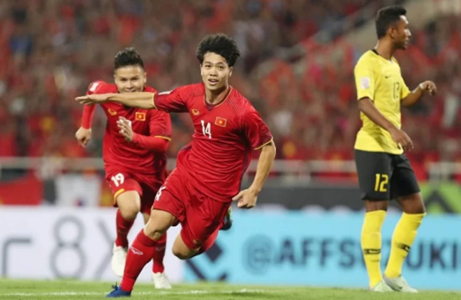 Công Phượng mừng bàn thắng vào lưới Malaysia ở vòng bảng AFF Cup 2018.