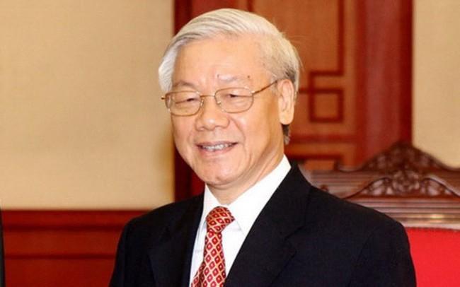 """Lần đầu tiên, vấn đề kiểm soát quyền lực, chống """"chạy chức, chạy quyền"""" đã được Tổng Bí thư, Chủ tịch nước Nguyễn Phú Trọng thay mặt Bộ Chính trị ký và ban hành trong Quyết định 205."""