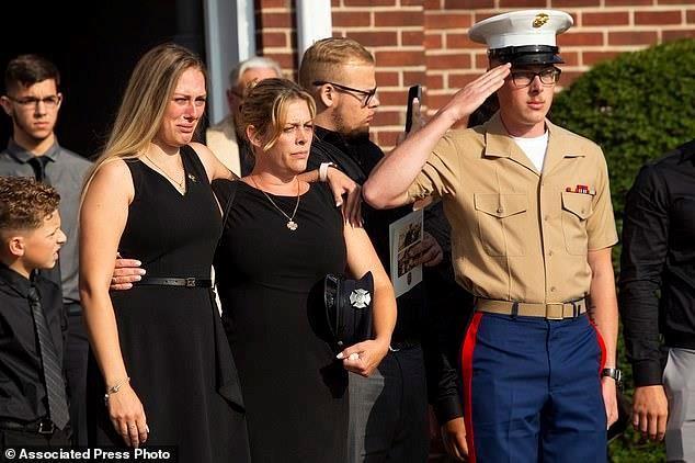 Thân nhân của Michael Haub, một lính cứu hỏa thiệt mạng trong vụ tấn công ngày 11/9.