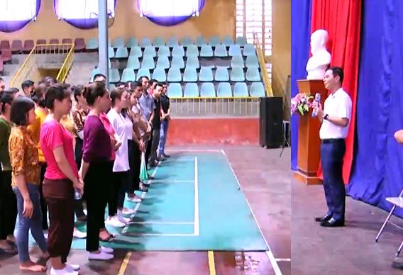 Đồng chí Dương Văn Tiến phát biểu chỉ đạo hoạt động luyện tập của diễn viên thành phố Yên Bái.