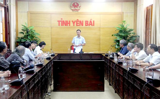 Đồng chí Dương Văn Tiến - Phó Chủ tịch UBND tỉnh, Chủ tịch Hội đồng thẩm định phát biểu tại buổi làm việc.