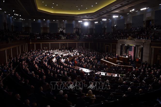 Hạ viện Mỹ mở rộng chương trình hỗ trợ doanh nghiệp bị ảnh hưởng bởi Covid-19