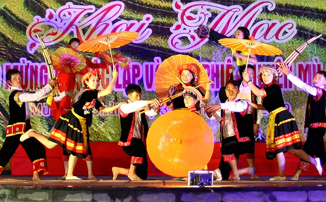 Mong ethnic group's cultural identity is preserved through festivals.
