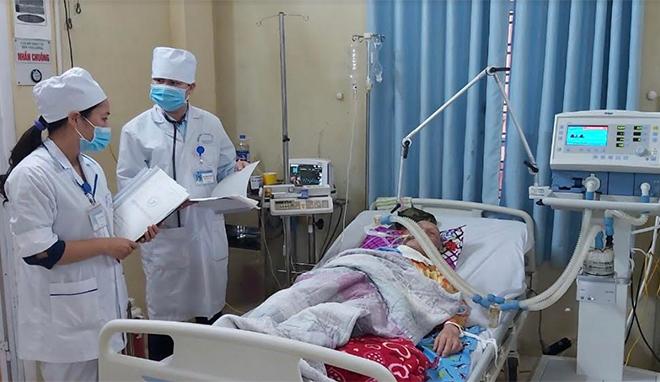 Các cơ sở y tế đầu tư cơ sở vật chất, áp dụng các dịch vụ kỹ thuật y tế tiên tiến trong điều trị, đáp ứng nhu cầu khám chữa bệnh của người dân.