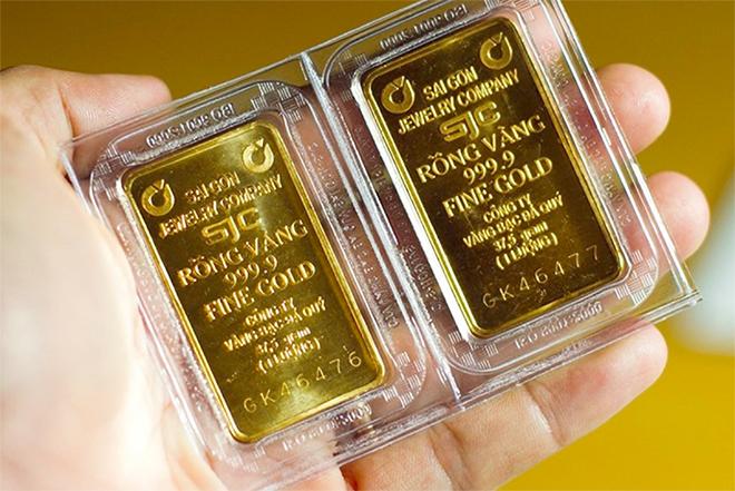 Giá vàng SJC đứng yên, vàng thế giới tiếp tục lao dốc