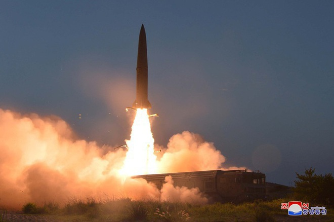 Một vụ phóng tên lửa của Triều Tiên năm 2019.