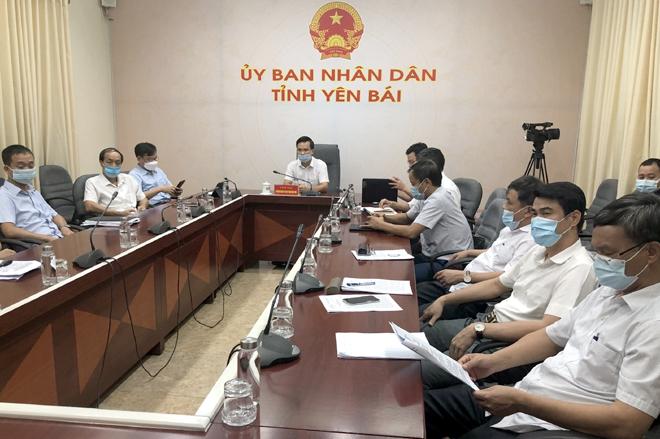 Các đại biểu tham dự Diễn đàn tại điểm cầu tỉnh Yên Bái.
