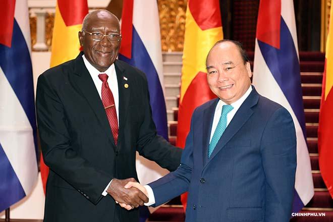 Ngày 13/9/2018, Chủ tịch nước Nguyễn Xuân Phúc khi đó là Thủ tướng Chính phủ đã tiếp Phó Chủ tịch thứ nhất Hội đồng Nhà nước và Hội đồng Bộ trưởng Cuba Salvador Valdés Mesa nhân chuyến thăm Việt Nam.