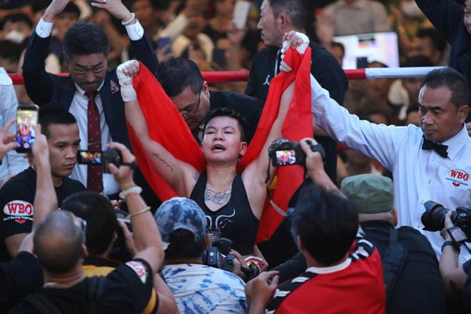 Thu Nhi giành đai vô địch hạng nhẹ WBO châu Á - Thái Bình Dương năm 2020