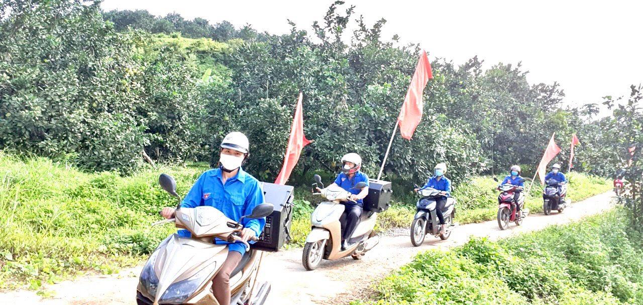 Các địa phương trên địa bàn huyện Yên Bình đẩy mạnh tuyên truyền về chiến dịch tiêm vắc xin phòng COVID-19 đợt 7 ( tháng 9/2021).Ảnh: Kiều Mười